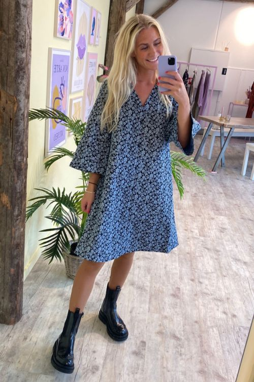 A-View - Kjole - Bikka Dress - Black/Blue