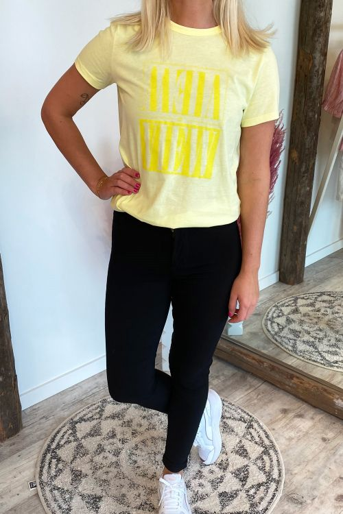 A-View T-shirt Best A-View Yellow Hover
