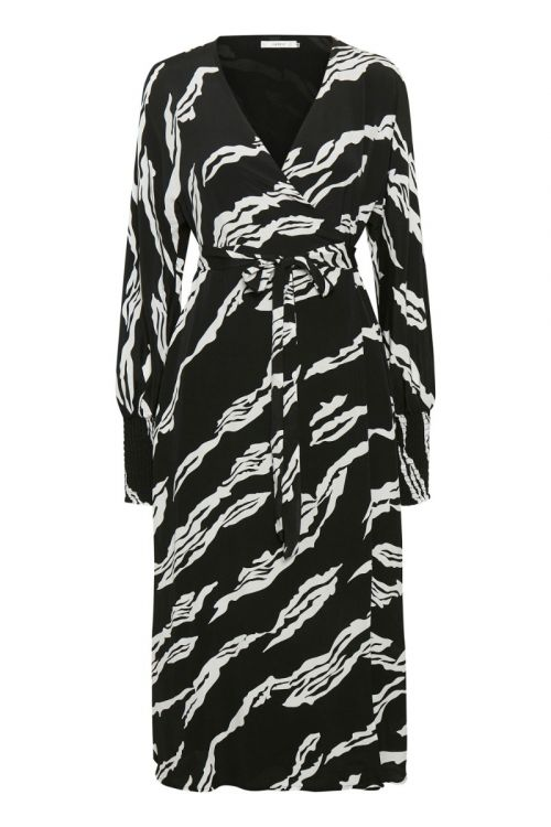 Gestuz - Kjole - ZohaGZ Wrap Dress - Black Scratch