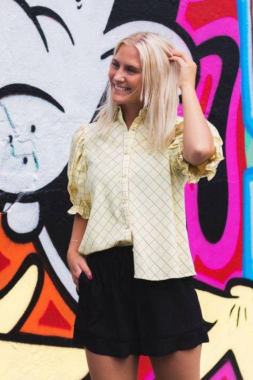 Hunkøn Skjorte Bella Shirt Light Yellow Hover