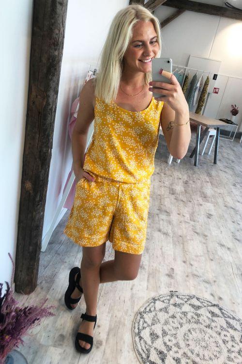 Ichi Shorts Vera SHO2 Golden Yellow Hover