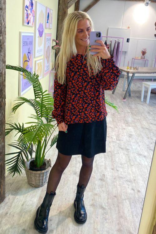 Jacqueline de Yong - Bluse - JDY Claude LS O-neck Top - Black/Orange Flower