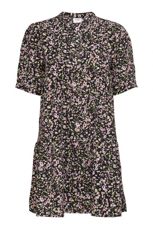 Jacqueline de Yong - Kjole - Urban 2/4 Short Dress - Black