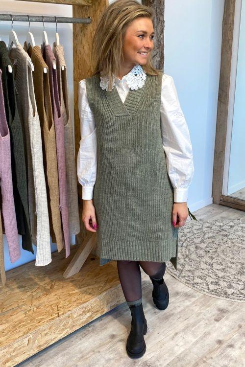 Noella - Vest - Louis Slipover V-neck - Minty Green