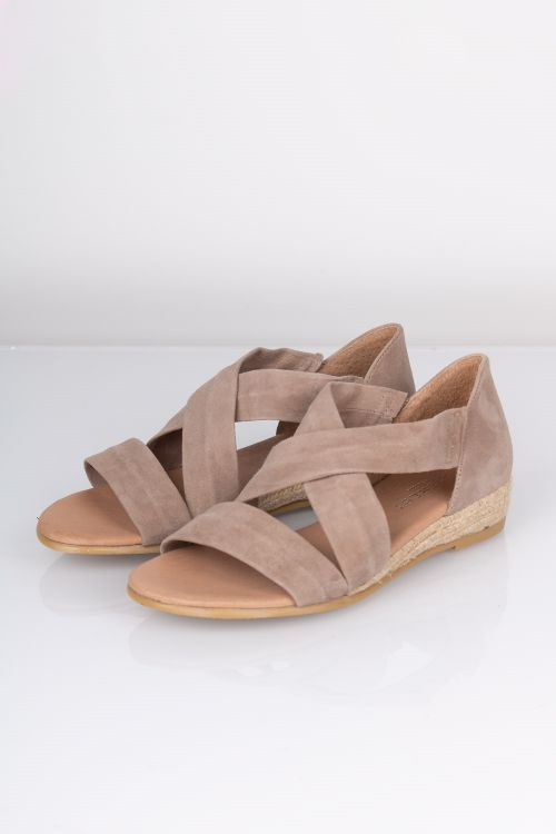 Pavement Sandal Isabella Taupe Suede Front