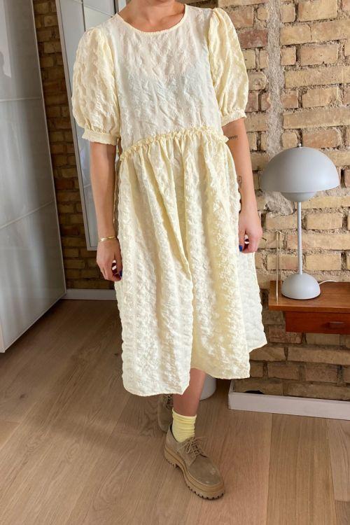 Pieces Kjole Ludmilla SS Dress Almond Oil Hover