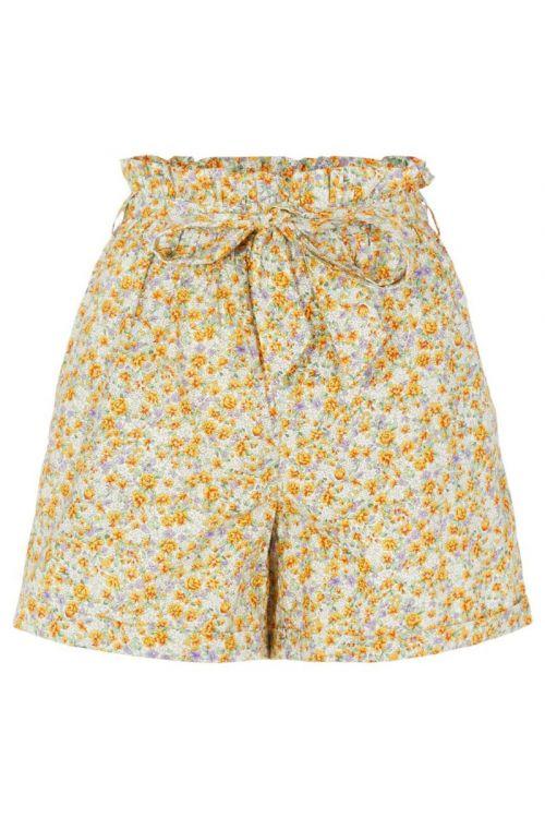 Pieces - Shorts - PC Mathilda HW Shorts - Cloud Dancer/Yellow Flowers