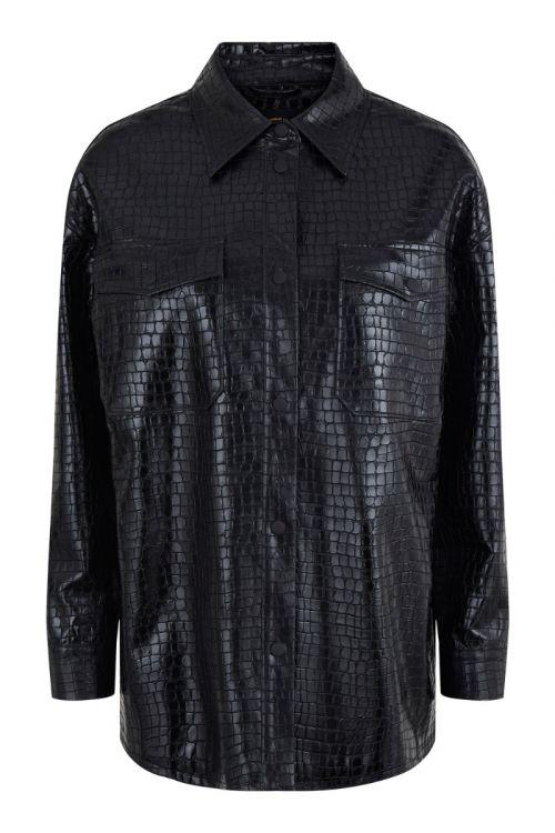 Pieces - skjorte - Tia Oversize Shirt - Black snake (I oktober)