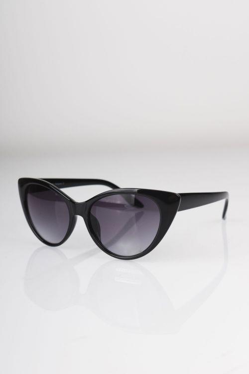 Solbriller 2500 Clara Cat Eye Black Front