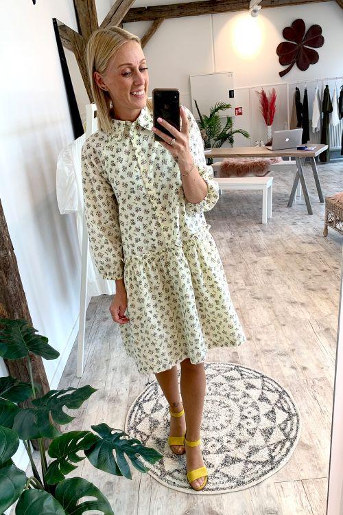 Y.A.S Kjole Cala 3/4 Dress Eggnog Hover