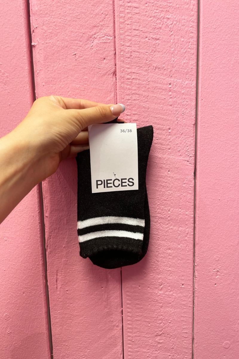 Pieces - Strømper - PC Jebby Stripe Glitter Long Sock - Black/BWHI